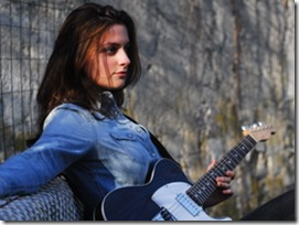 laura cox guitar player best